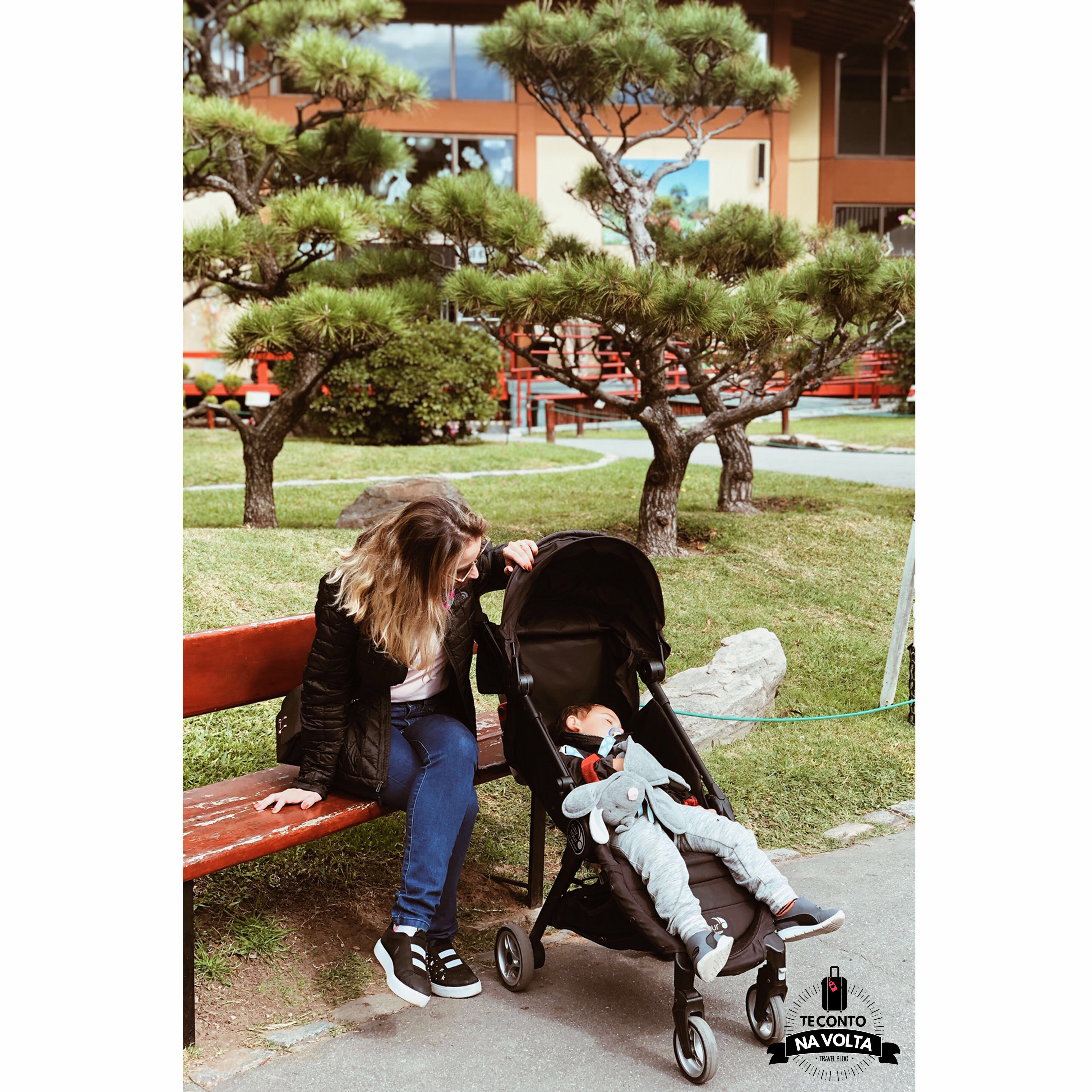 Jardim Japonês com bebês e crianças